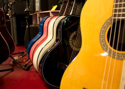 comprar-guitarrra-admira-Donostia